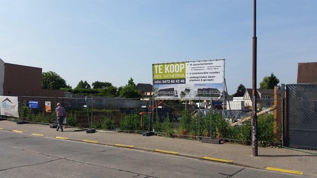 Bouw 6 appartementen, winkels en garages te Roosdaal